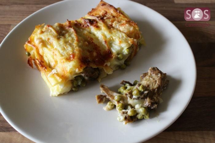 Lasagne con funghi e piselli e formaggio
